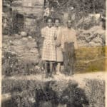Vera Lewis and her parents at the Collins cottage in Waterford VA